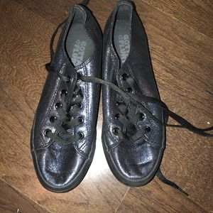 Gotta Flurt Holographic Black Sneakers